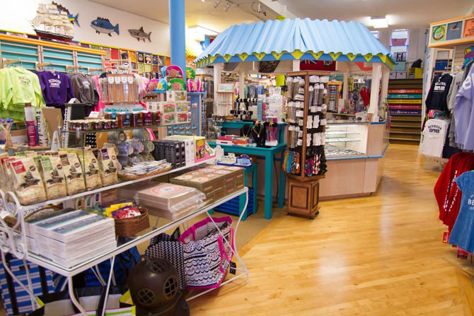 Bermuda shopping & the best stores Is The Bermuda Shop what I was in and where I found that wonderful candy? I am going back to Bermuda in October and would like to find that candy again and buy extras for gifts. Hope you can help me. Blessings, Jean.