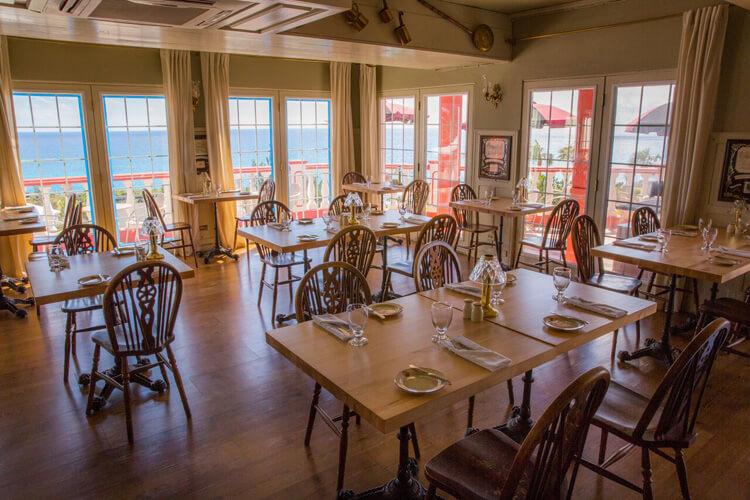 Henry VIII Restaurant Dinning Room
