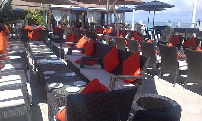 Sea Breeze Lounge & Terrace