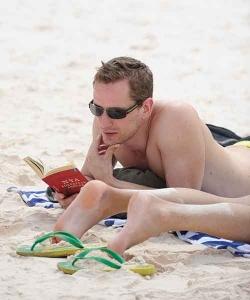 cmyk-beach-reader-KS