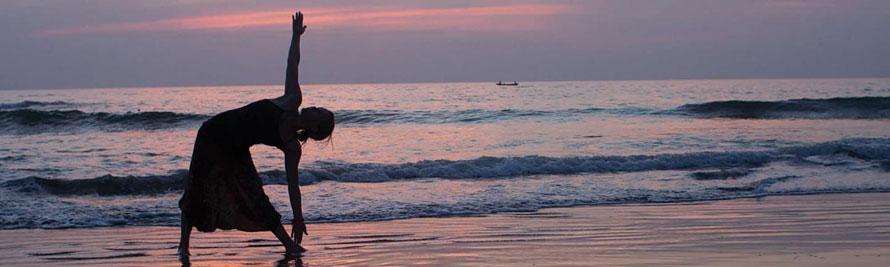 Beach-Yoga_CREATIVECOMMONS-CC-BY-2