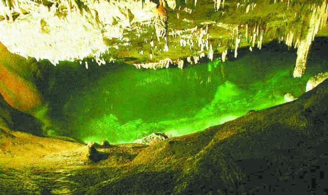 Bermuda's caves